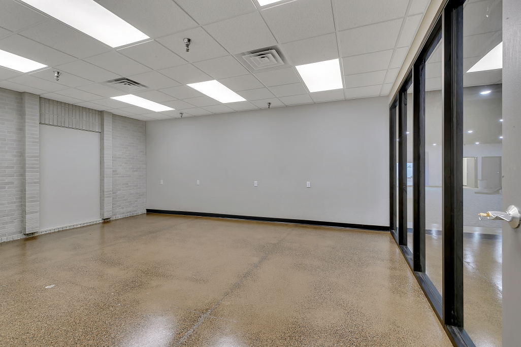 Midtown Square Mall office suite with large open reception area and built-in kitchen